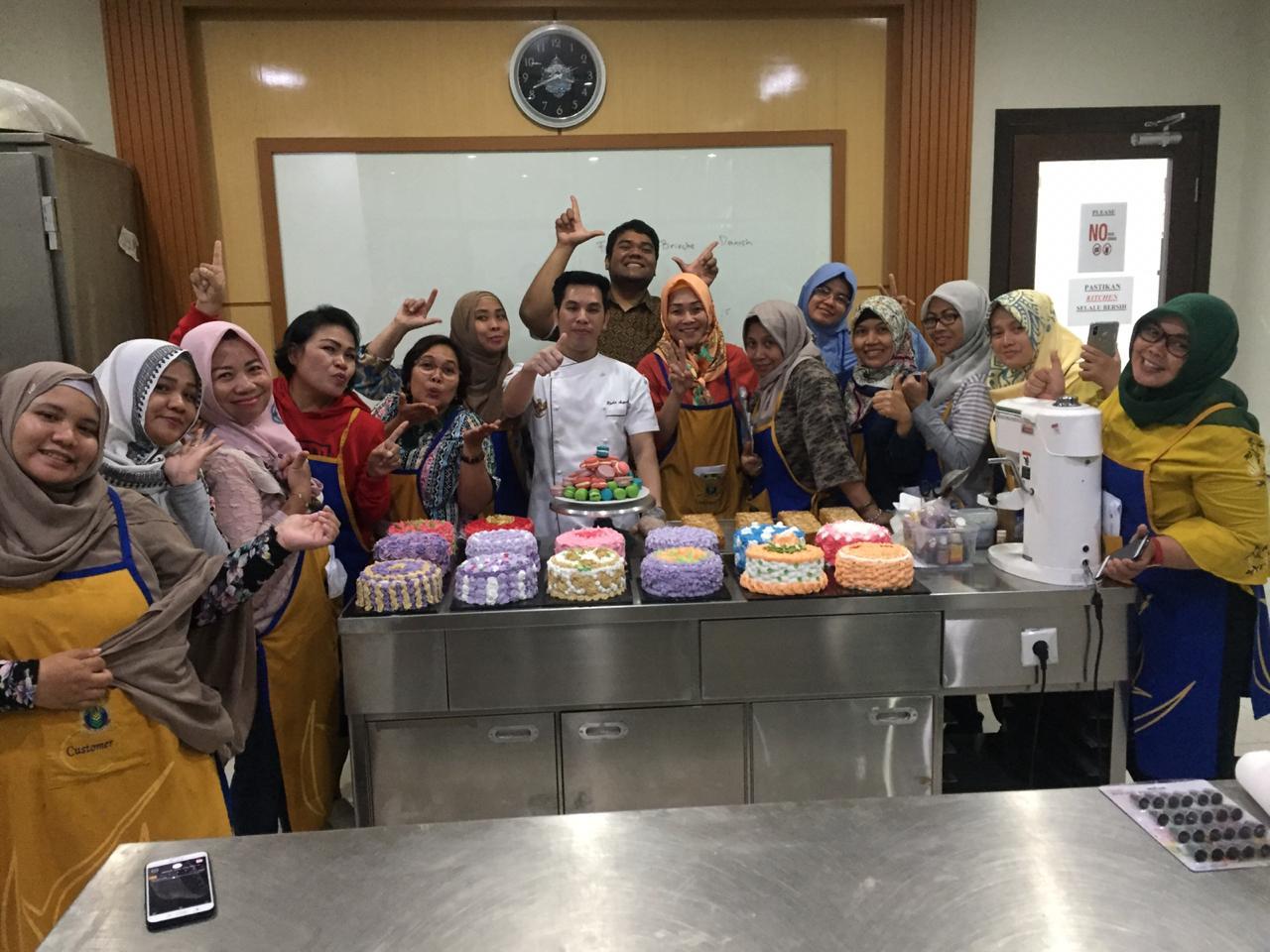 Event Membuat Kue dengan Chef Raka di Plaza Bisnis Kemang